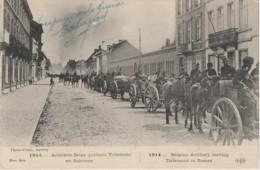 Z8- GUERRE 1914 - CONVOI D'ARTILLERIE BELGE QUITTANT TIRLEMONT EN FLAMMES - (MILITARIA -  WW1 - 2 SCANS) - Guerre 1914-18