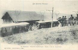 CPA 88 Vosges Le Honneck Tramway Electrique Gare à 1336 M. D'altitude Gerardmer - La Schlucht - Altri Comuni