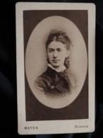 Photo CDV Mayen à Avignon - Portrait En Médaillon Femme, Circa 1880 L498R - Antiche (ante 1900)