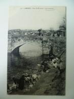 CPA / Carte Postale Ancienne / LAVANDIERES Laveuses LIMOGES Pont St Etienne - Farmers