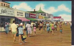 C. Postale - Boardwalk Scene - Rehoboth Beach - Circa 1950 - Non Circulee - A1RR2 - Autres