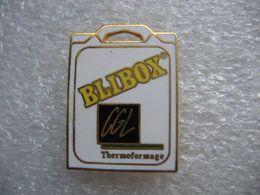 Pin's Boitier BLIBOX, Conditionnement Médical, Emballage Médical, Blister Médical.  Emballage Thermoformé - Pins