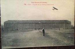 Cpa , Militatarie, Pau (64 - Les Basses Pyrénées Atlantiques, Facade De La Caserne Bernadotte Militaria, éd LF Toulouse - Casernas