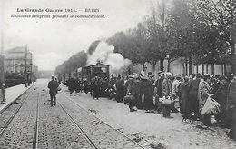 51)   REIMS  - Habitants émigrant Pendant Le Bombardement  (  Tramway  ) - Reims