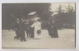 Carte Photo - Rencontre - Evênement - Le Pape Pie X Dans Les Jardins Du Vatican. - Historical Famous People