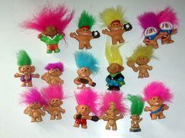 Lot De 16 Figurines Troll Vintage - Figurines