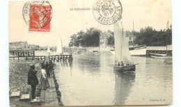 44* LE POULIGUEN  Sortie Du Port - Le Pouliguen