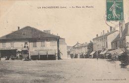 CPA 42 LA PACAUDIERE PLACE DU MARCHE - La Pacaudiere