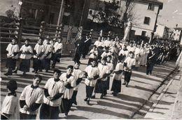 V48Pt  Photo Natale 1955 Procession Lieu à Identifier Portugal ? Italie ? - São Tomé Und Príncipe