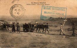 LE MAROC ILLUSTRÉ -  85  2 - Souk-el-Arba- Enterrement Militaire. CACHET FRANCHISE POSTALE. 1915 Ou 1918. - Morocco