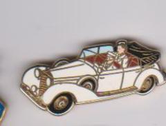 Pin's  VOITURE CAB GROSSER SIGNE ARTHUS BERTRAND - Arthus Bertrand