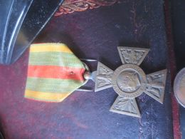 MEDAILLE COMBATTANT VOLONTAIRE - 1914-1918- REPUBLIQUE FRANCAISE - 1914-18