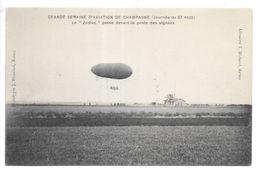 """Cpa.Reims.grande Semaine D'aviation De Champagne (journée Du 27 Aout 1909).le """"zodiac"""" Passe Devant Le Poste Des Signaux - Dirigeables"""