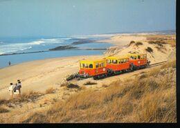 Le Verdon - Sur - Mer -- Le Petit Train Touristique De La Pointe De Grave A Soulac - Trains