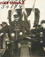 PHOTOGRAPHIE ANCIENNE AUTOMOBILE OFFICIELLE CHAUFFEUR PRESIDENT POLITIQUE CAR TACOT TAXI FETE EVENEMENT - Coches