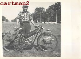 PHOTOGRAPHIE ANCIENNE MOTO MOTORCYCLE CYCLOMOTEUR CYCLES REMU REMY ? PHOTO BERTON MOBYLETTE BIKE - Coches