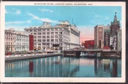 C. Postale - Milwaukee River - Looking North - Circa 1940 - Non Circulee - A1RR2 - Milwaukee