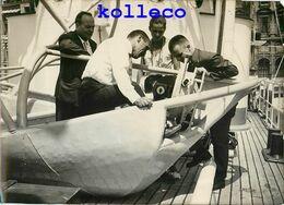 COMMANDANT COUSTEAU LA TROÏKA LA CALYPSO SOUCOUPE PLONGEANTE CAMERA PLONGEUR OCEANOGRAPHE SCAPHANDRE MARSEILLE - Barcos