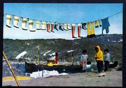 Greenland   Cards Seal-skin Boots Hanging To Dry At Jakobshavn  ( Lot 198 ) - Greenland