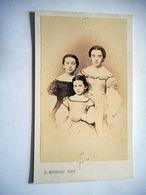 PHOTO CDV 19 EME 3 SOEURS JEUNE FILLE ROBE MODE  Cabinet BOUREAU A BORDEAUX - Oud (voor 1900)