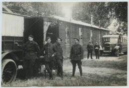 (Aviation) Baraque à L'aérodrome De La Perthe (Champleury) Près Arcis-sur-Aube . Camion Bus Rochet-Schneider . 1935 . - Aviación