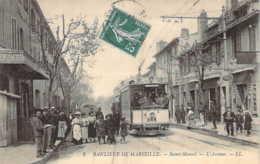 Banlieue De MARSEILLE Gros Plan Sur Le Tramway 866 Sur L'Avenue à Saint-MARCEL - Saint Marcel, La Barasse, St Menet
