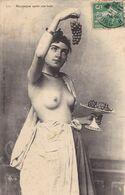ALGERIE. CPA .RARETE.  MAURESQUE APRES SON BAIN. ALGER ANNEE 1912 - Women