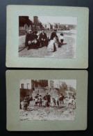 2 Photos Anciennes (6 Cm X 8,4 Cm) Sur Cartons Verts épais. Personnes Sur La Plage D'Arromanches, La Petite Cale - Old (before 1900)