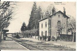 YTRAC. LA GARE. TRAIN EN GARE - France