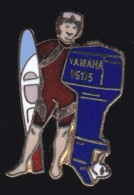 66078- Pin's -Ski Nautique.Moteur Yamaha.Bateau. - Ski Nautique