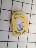 216A Pin's Pins / Beau Et Rare / THEME : BIERES / BOCK DE BIERE PRESSION BRASSERIE MERCKAERT - Bierpins