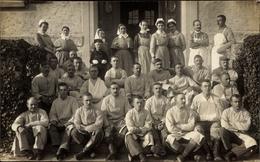 Photo Cp Bad Urach In Der Schwäbischen Alb, Gruppenportrait, Lazarett, Krankenschwestern, Versehrte - Sonstige