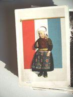 Nederland Holland Pays Bas Marken Met Meisje In Klederdracht Voor Vlag Oud - Marken