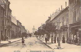 39 JURA La Grande Rue Animée De CHAMPAGNOLE - Champagnole