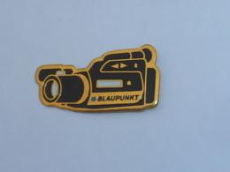 Pin's CAMERA BLAUPUNKT - Photographie