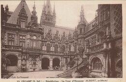 76 Fecamp. La Benedictine.  La Cour D'honneur - Fécamp