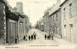 Machecoul * La Grande Rue * Enfants - Machecoul