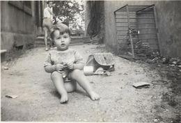 DROME VALENCE.....PHOTO  ENFANT SUR LE POT......85  X 60 - Identified Persons