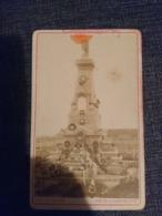 Rare Photo Ancienne 10x6 Monument Guerre 1870 Cimetière Chambiere Metz Texte Manuscrit Au Dos - Luoghi
