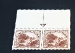K327921 - South Africa - Suid-Africa 1928 MNH SC. 28 In Pair -  - Native Kraal - Perf. 14 - Unused Stamps