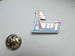 Beau Pin's , EDF , AGESO , Electricité De France , Paris Tour Eiffel - EDF GDF