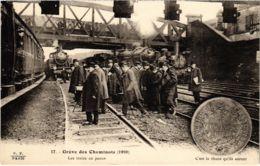 CPA Paris 10e - Gréve Des Cheminots (88039) - Huelga