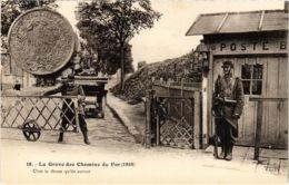 CPA Paris 19e - Gréve Des Chemins De Fer (88045) - Huelga