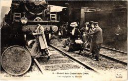 CPA Paris 10e - Gréve Des Cheminots (88046) - Huelga