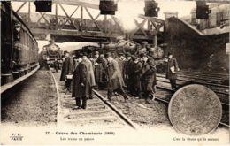 CPA Paris 10e - Gréve Des Cheminots (88047) - Huelga