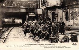 CPA Paris 10e - Gréve Des Cheminots Du Nord (88057) - Huelga
