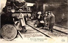 CPA Paris 10e - Gréve Des Cheminots (88058) - Huelga