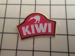 216a Pin's Pins / Beau Et Rare / THEME : MARQUES / CIRAGE KIWI OISEAU - Trademarks