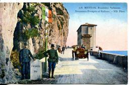 N°2245 R -cpa Menton -frontière Italienne- Douaniers Français Et Italiens- - Zoll