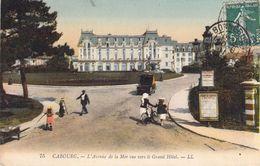 Cabourg; L'Avenue De La Mer. Vue Vers Le Grand Hôtel - Cabourg